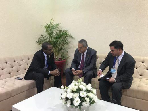 Venezuela y Guinea Ecuatorial evalúan mecanismos para impulsar recorte petrolero