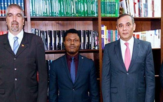 Presidente del TSJ sostuvo reunión con Embajador de la República de Guinea Ecuatorial ante el país.