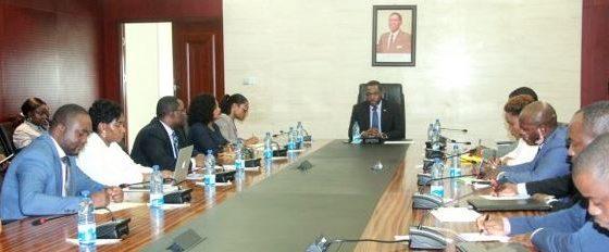 El Ministro de Minas se reúne con los coordinadores del Año Energético