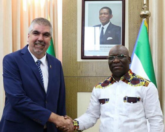 Ministro de Asuntos Exteriores de #GuineaEcuatorial, Simeon Oyono Esono, recibe al Viceministro para África del la República Bolivariana de #Venezuela, Yuri Pimentel @ypimentel2021.