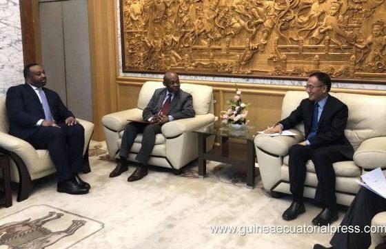 El Ministro Delegado de Asuntos Exteriores se reúne con su homólogo chino