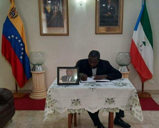 Abren libro de condolencias en Venezuela por fallecimiento de Santiago Nsobeya Efuman