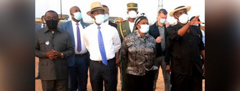 La Pareja Presidencial visita las ruinas del Cuartel Militar de Nkoantoma